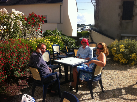 Waiting for breakfast in L'Aberwrac'h
