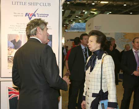 the commodore chats with Princess Anne at 2008 boatshow
