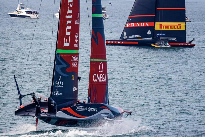 ETNZ smoke past LRPP in Race 8 of America's Cup In Auckland
