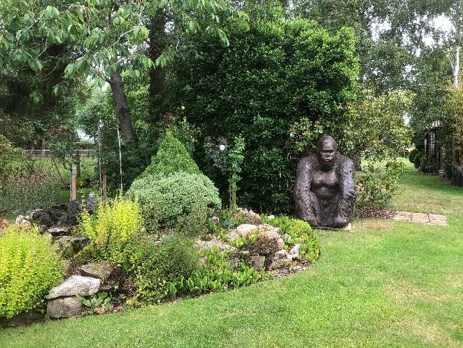 Guy the Gorilla statue