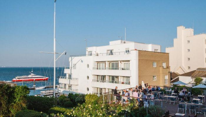 RORC-Clubhouse-Cowes -Terrace