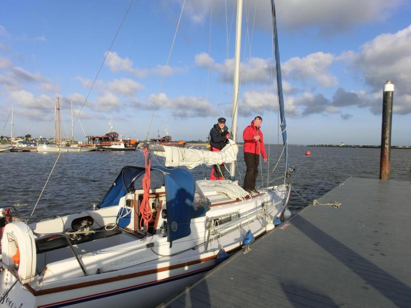 Silver Pearl leaves Brightlingsea Little Ship Club Sadler 26
